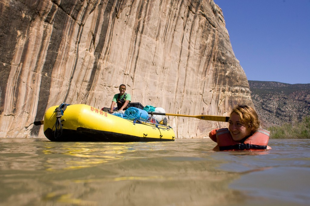 5 Tricks to Help You Survive the Heat on a Rafting Trip
