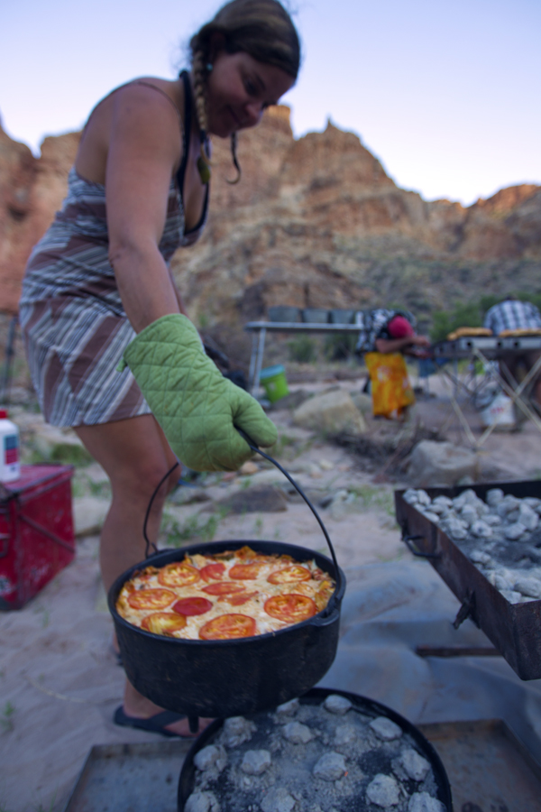 Gifts for Outdoor Lovers   Dutch Oven
