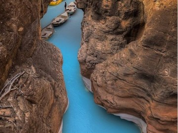 Adventure Photos of the Year: Dories in Havasu Creek