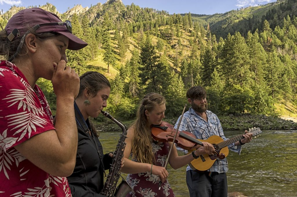 Guide Playlist: Songs for a river trip state of mind
